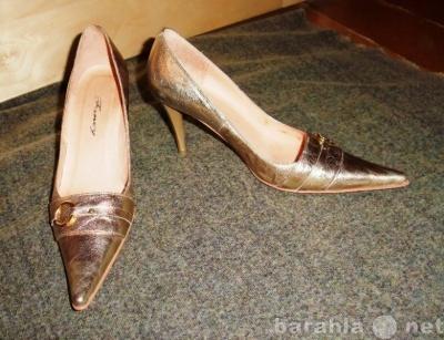 Продам Золотые кожаные туфельки.  Р-р 37 в Красноярске.